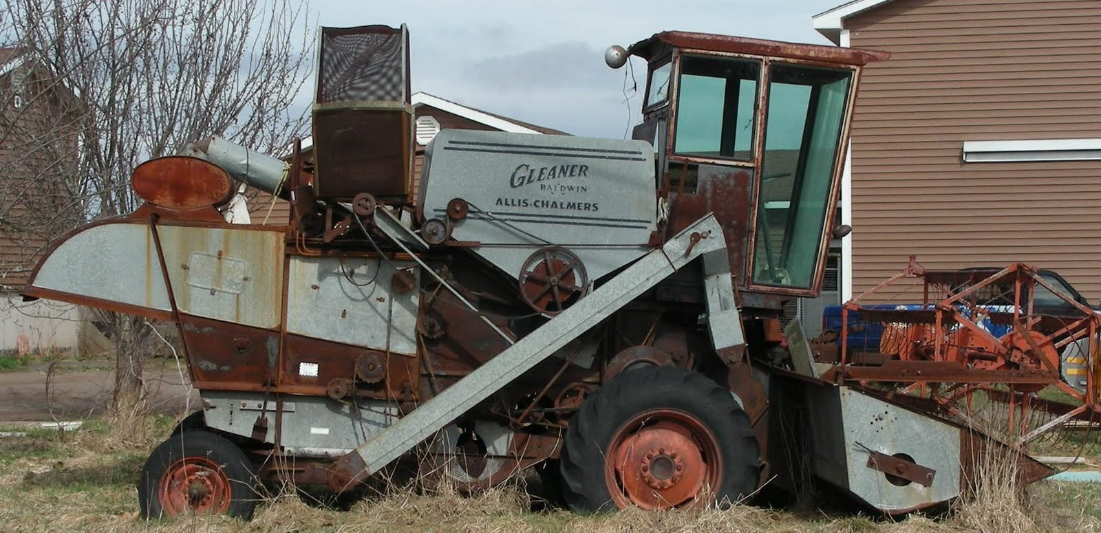 Pin Gleaner Combines On Pinterest