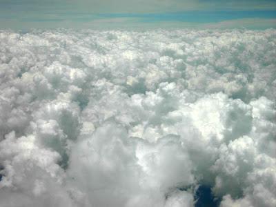 Volando entre las nubes hay personas queridas que ya no están entre nosotros. Bogotá-Quibdó, marzo 2008