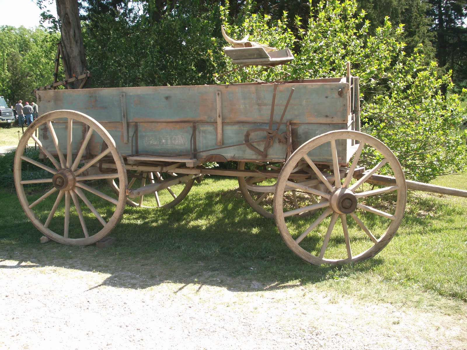 Horse drawn wagon old wagons for autos weblog for Vintage horseshoes for sale