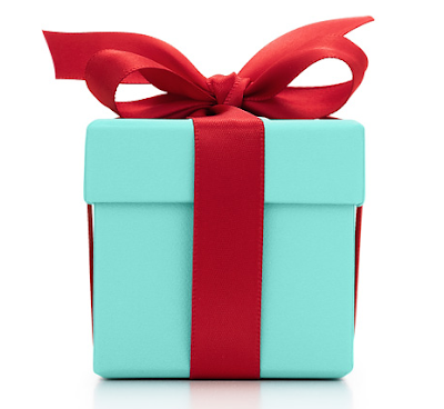 What Girl Wouldnt Want To Open Up That Iconic Blue Box And Find A Little Bit Of Tiffany Co Glamor On Christmas Morning