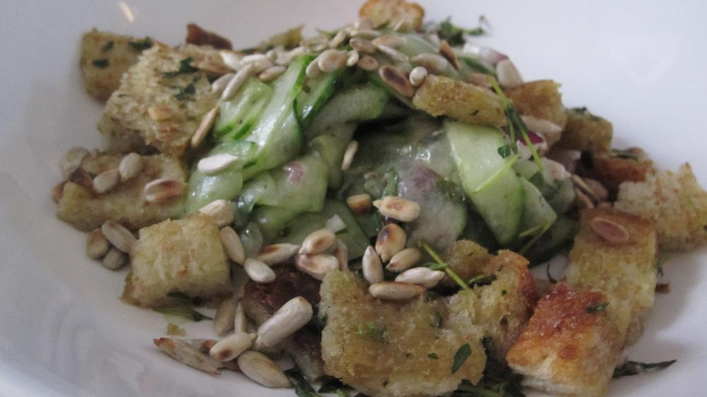 salad with sun flower seeds and thyme croutons