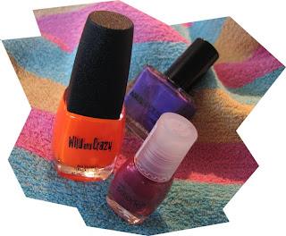 Värikkäät kynsilakat