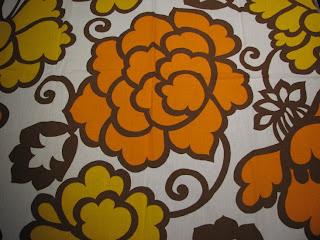 Kelta-oranssia retrokuosia