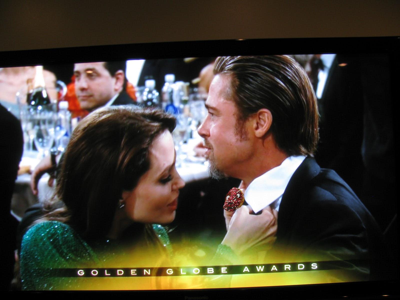http://2.bp.blogspot.com/_wMFMexQ3GwY/TT0bKM7SmwI/AAAAAAAAAbk/-mY7FfzOx_o/s1600/Angelina+Jolie+Brad+Pitt.jpg