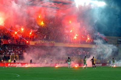 REAL MADRID - Página 2 19+May%C4%B1s+2007+Galatasaray+-+Fenerbah%C3%A7e+Ma%C3%A7%C4%B1