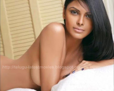 Here is a collection of almost nude stills pix of sherlyn chopra where in u ...