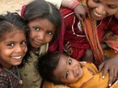 En la India las Transnacionales farmacéuticas usan niñas y niños como ratones de laboratorio