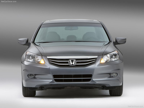 Revision 2011 Accord exterior found on the grille, alloy wheels, rear  title=