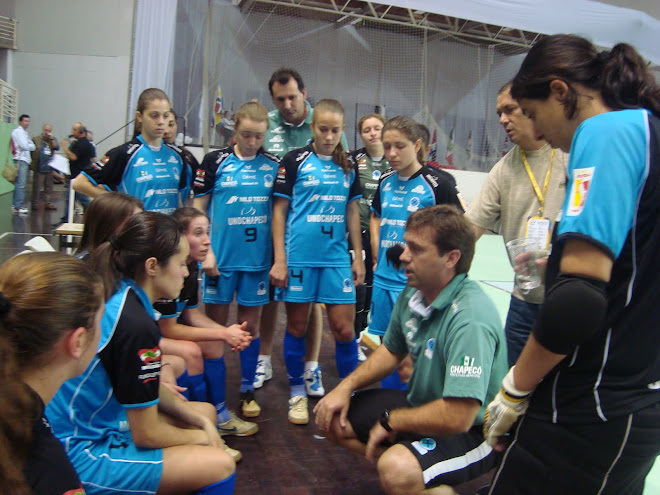 UNO Chapeco Eder Popiolski Proving to have the best Women Futsal winning team  at the JASC 2010