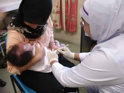 http://2.bp.blogspot.com/_wQ-5DNnXjEY/TSHD9PCmZeI/AAAAAAAABTg/Iaoi7QnmOfs/s1600/imunisasi.jpg