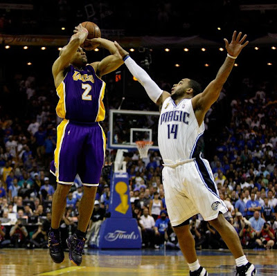 Derek Fisher on Derek Fisher Hits Two Big 3 Pointers   L A  Lakers Take 3 1 Lead In