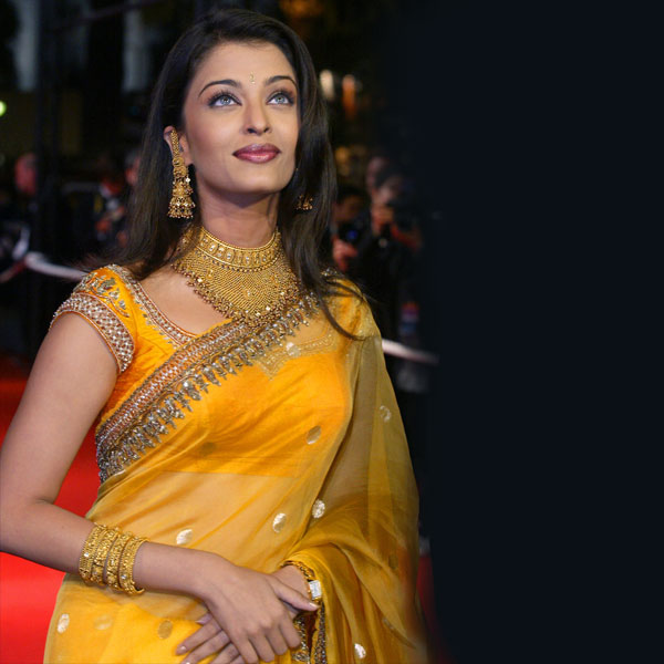 Aishwarya Rai Yellow Saree Zeenat Style