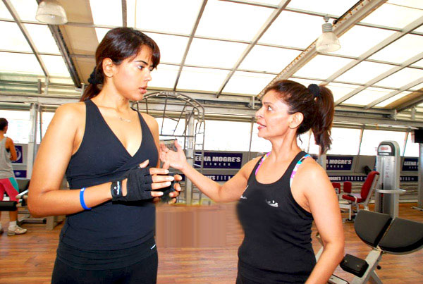 sameera reddy in gym latest photos