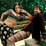 Telugu movie Sankham - Gopichand and Trisha sizzles