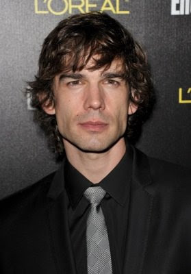 Christopher Gorham follows Geno's World on Twitter