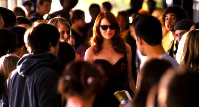 Emma Stone en una imagen de la película Rumores y Mentiras
