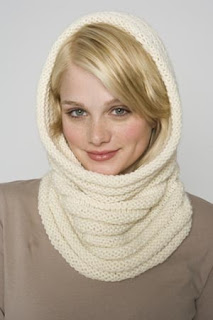 gift presents for women: knitted cowl tutoriral