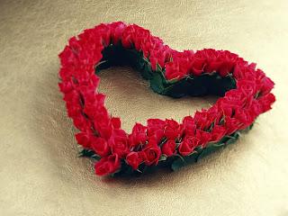 Roses Love Form Wallpaper