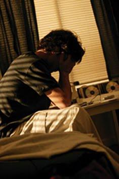 http://2.bp.blogspot.com/_wSkuhsSiu0s/TPusa5aR1KI/AAAAAAAACWU/koBI70nmw-Y/s400/depression_teen.jpg