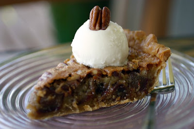 The Cooking Photographer: Chewy Medjool Date-Nut Pie