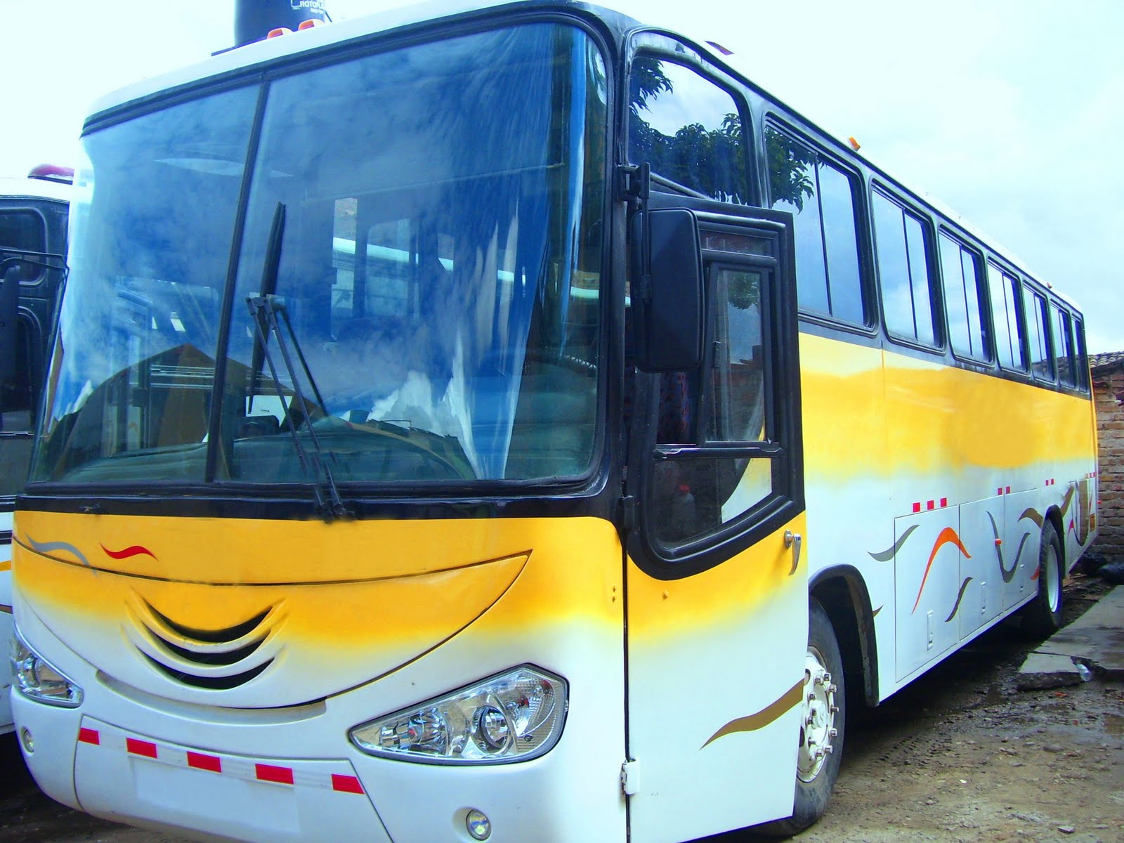 Venta De Buses Y Carrocerias Bus Volvo Modb7 1994 49 Pasj