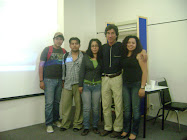ARQ. SANTIBAÑEZ CON ESTUDIANTES DE LA FAC