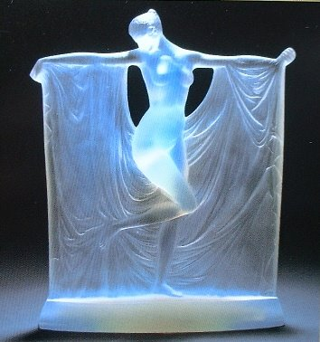 http://2.bp.blogspot.com/_wV4a1GtUmcs/SaHpQBsOJOI/AAAAAAAAAVE/kh6rvZSO7yo/s400/Rene-Lalique-0304.jpg