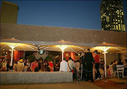 Barcelona past and present blog carpe diem lounge club for Carpe diem lounge club barcelona