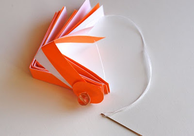 Елочный шар из бумажных полосок.  Мастер-класс.