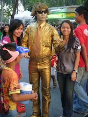 Bangkok street performer