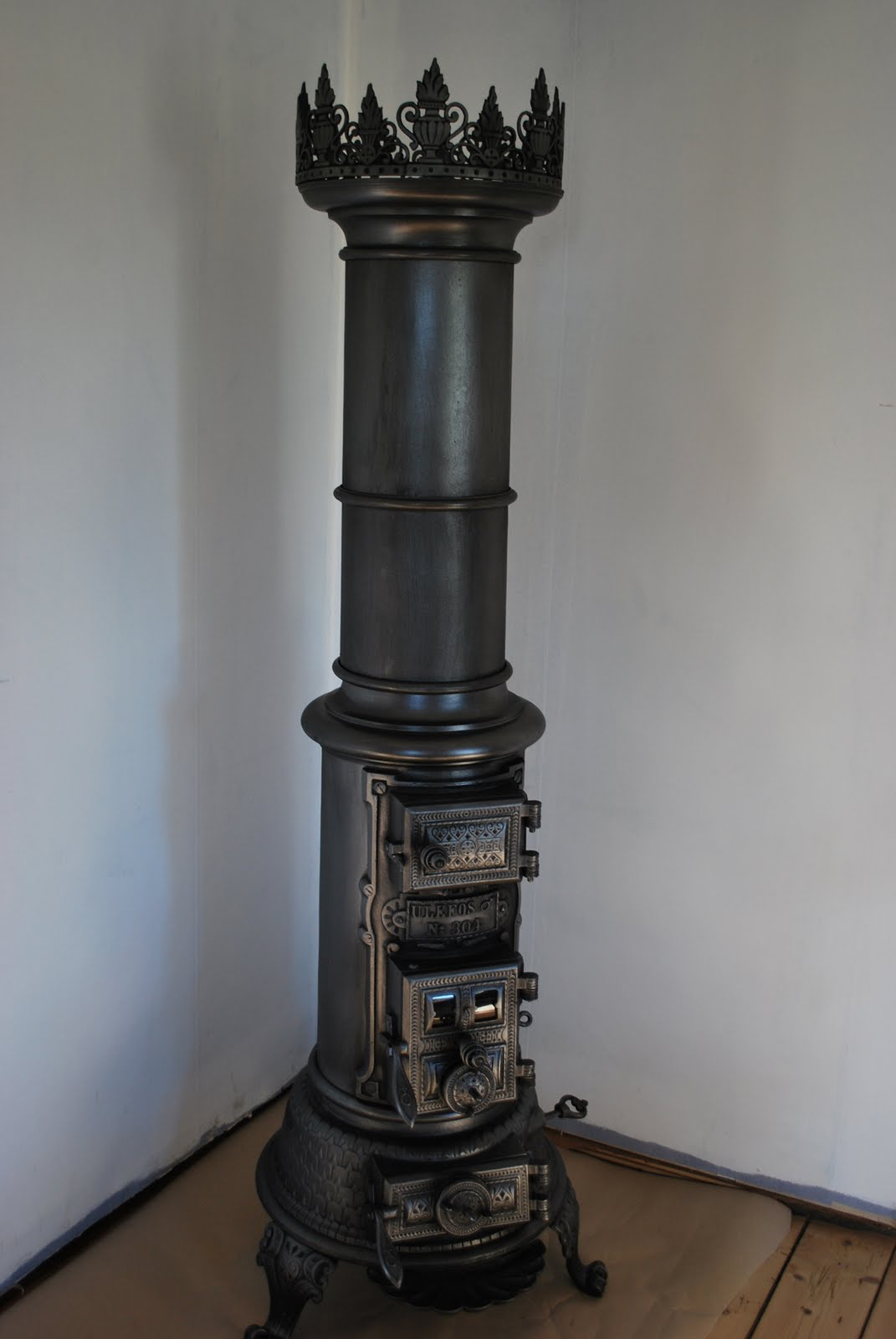 antique moore 39 s wood burning stove wood burning stoves. Black Bedroom Furniture Sets. Home Design Ideas