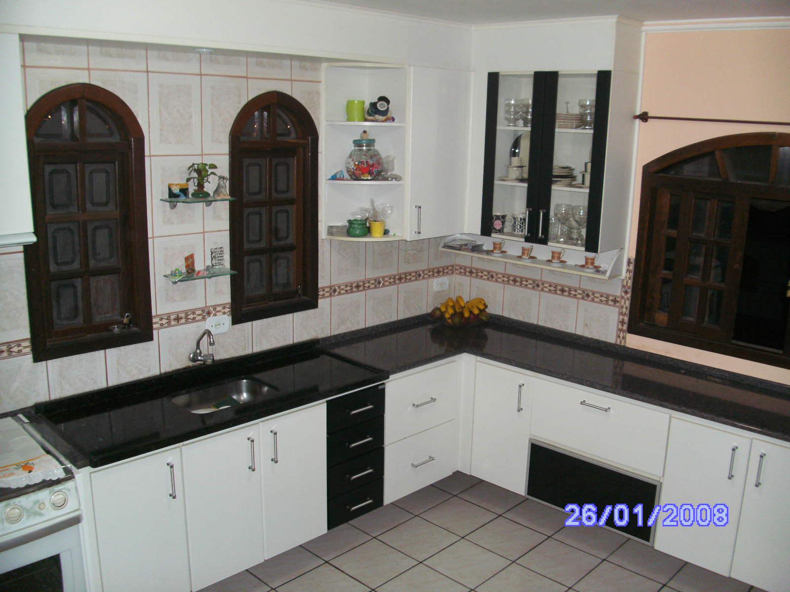 Planejados sob medida: Cozinhas em preto e branco #292CA2 1600 1200