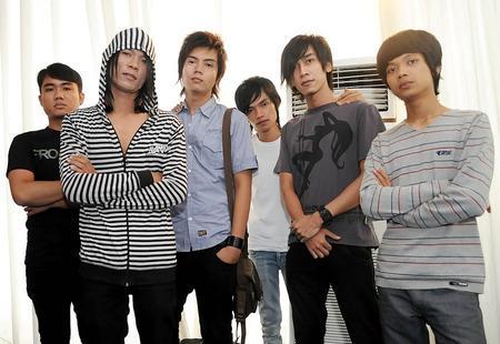 Andhika Kangen Band keluar. Andhika berhenti dari Kangen Band. Gosip Andhika Kangen Band.