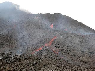 Flowing lava - Volcan Pacaya
