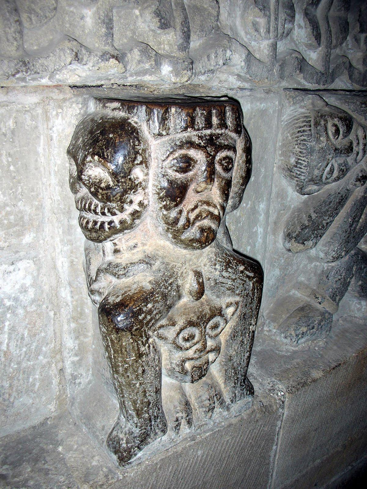 http://2.bp.blogspot.com/_wcu6i2kVCPM/S9CTU82Q_fI/AAAAAAAAAQM/4JCi09REMs8/s1600/Dscn0665+hexham+devil+skulls+beastie.jpg