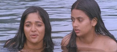 Hot and sexy malayalam actress gallary kavya hot bath seen for Kavya madhavan bathroom