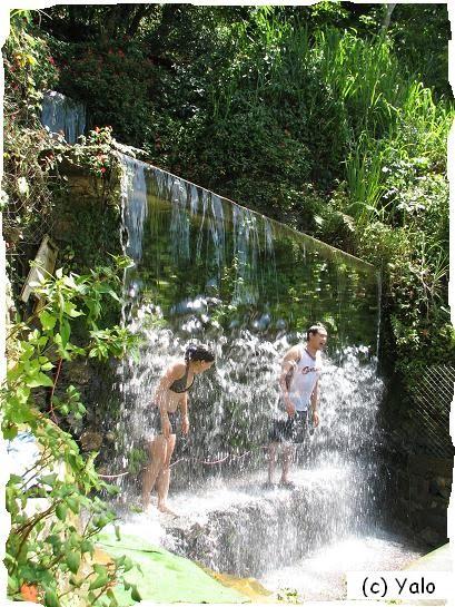 Baño Sencillo Para Buena Suerte:Ningún lugar está lejos en RD: Un baño de buena suerte