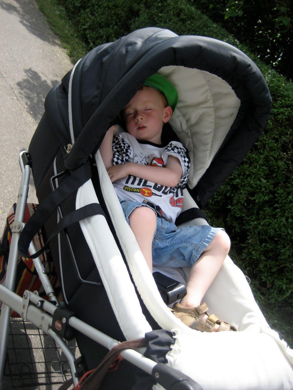sove i barnevogn