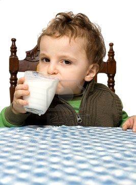 a las proteinas de leche: