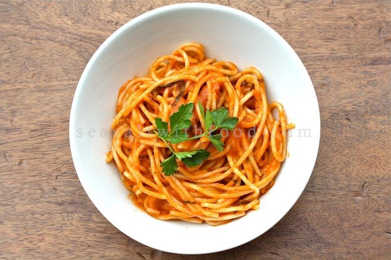 Seasaltwithfood: Angel Hair Pasta With Tomato Sauce