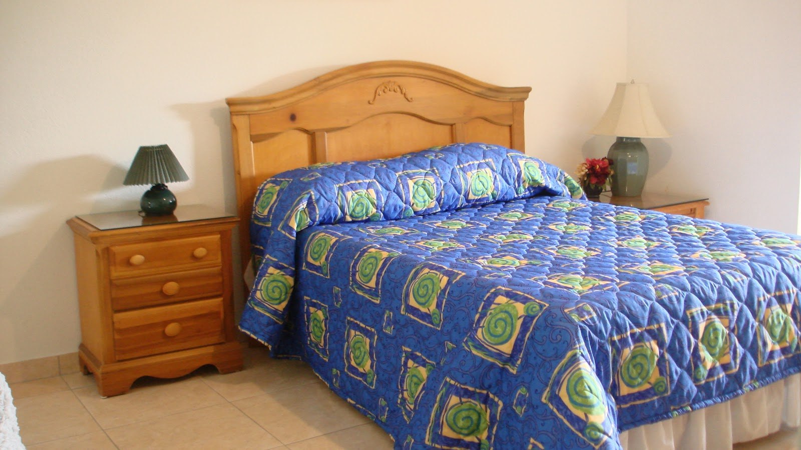 One Bedroom for sale, Grand Cayman Reduced $138,000.CI
