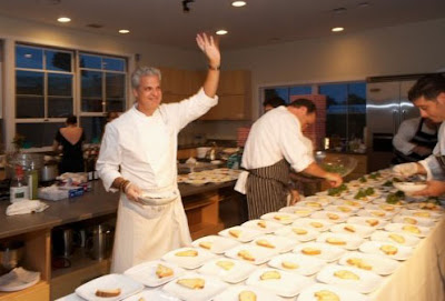 Chef Eric Ripert takes his bow in the kitchen.