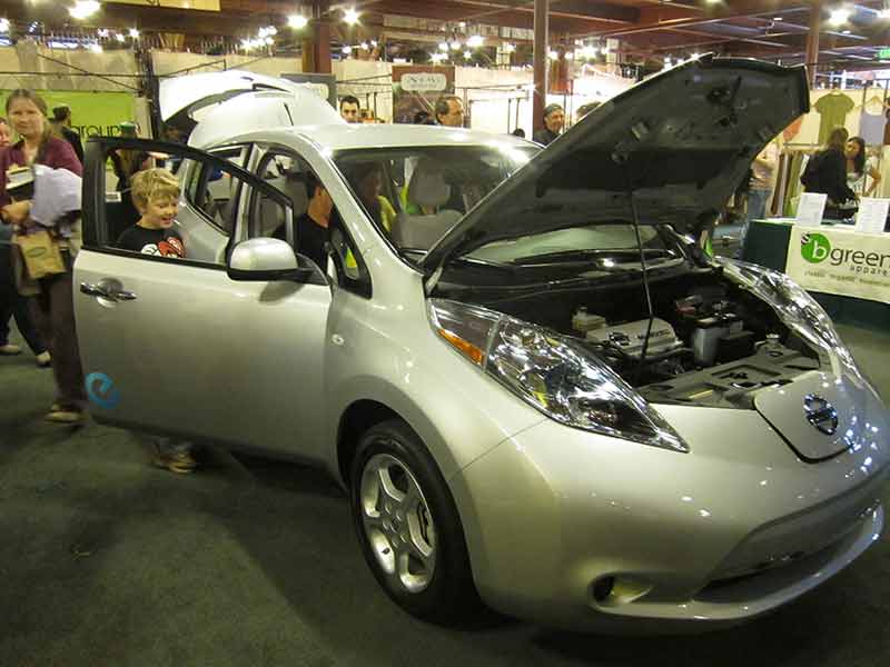 Lloyds Blog  New Nissan electric car