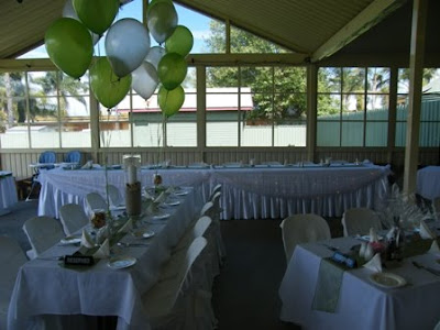 Linda 39s wedding was simply elegant Outdoors on a beautiful day