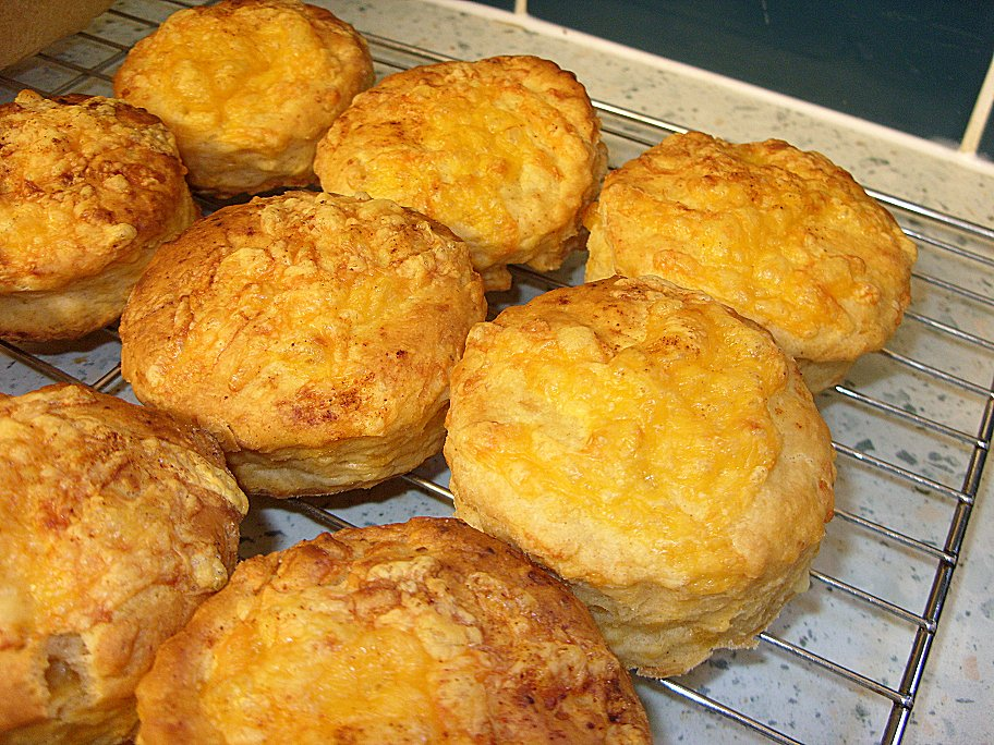 pepper scones cheddar parmesan and cracked pepper scones recipes