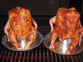 Simplement entre nous poulet grill sur une canette de bi re beer can chicken - Poulet grille au barbecue ...