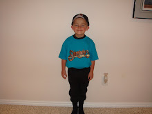 payton finally started his baseball season & he's ready to play ball.  Lookin good bud!!!