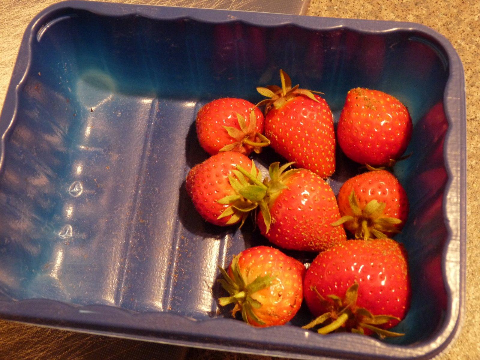 [30+May+2009+strawberries]