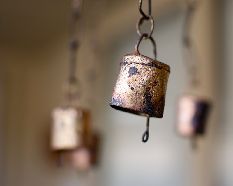 Photo of rusted wind chimes