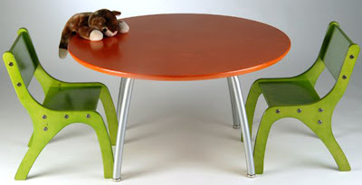 Kids-Table-And-Chair-Set-by-Knu